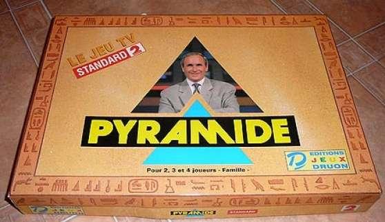 Et la boite de jeu, on la relance ?  Comme ça ils pourront l'offrir aux candidats, et pour ça il faudra faire revenir Pépita !
