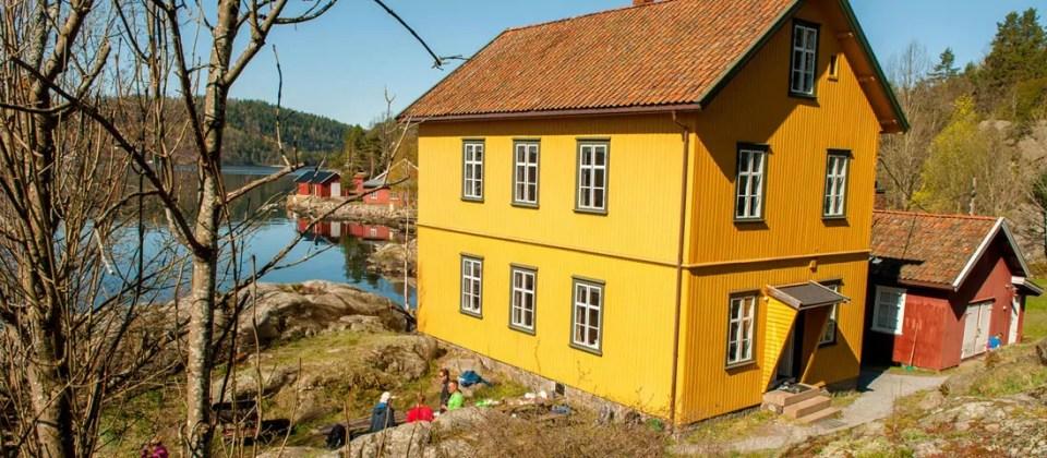 Befalsboligen på Bergholmen er på to etasjer med 11 sengeplasser hver!