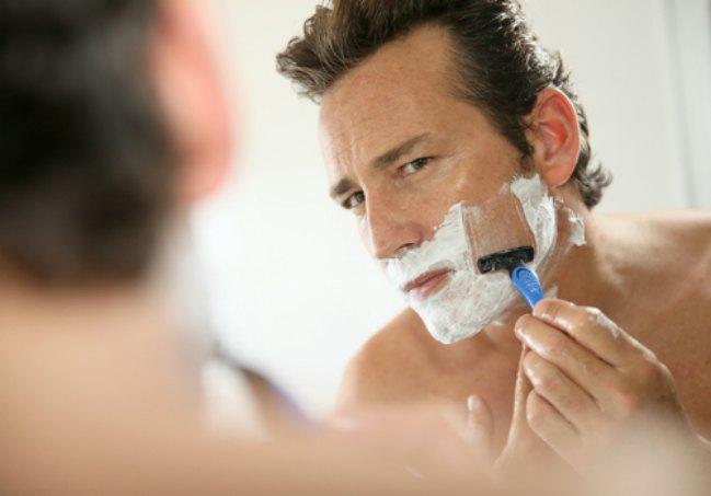 Cuidado de la piel en hombres maduros
