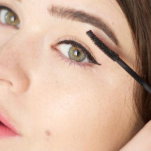 The Natural Looking Cat Eye Trick
