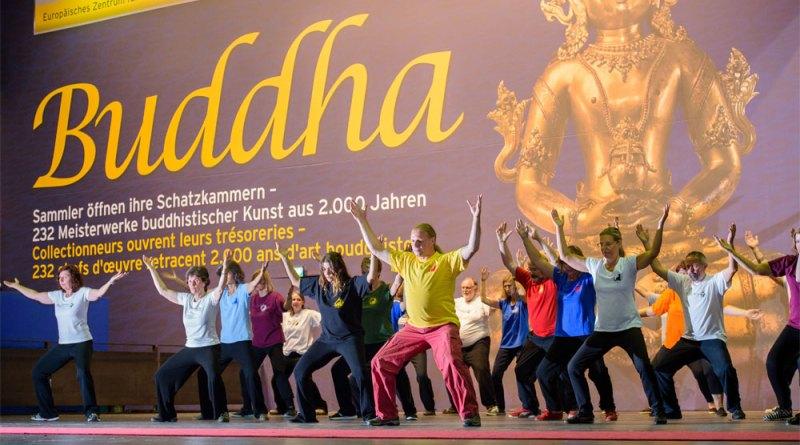 "Qigong im Begleitprogramm der ""Ausstellung Buddha"" Copyright: Weltkulturerbe Völklinger Hütte/ Oliver Dietze"