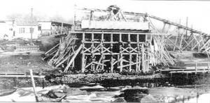 Brücke 1913 nach dem Einsturz