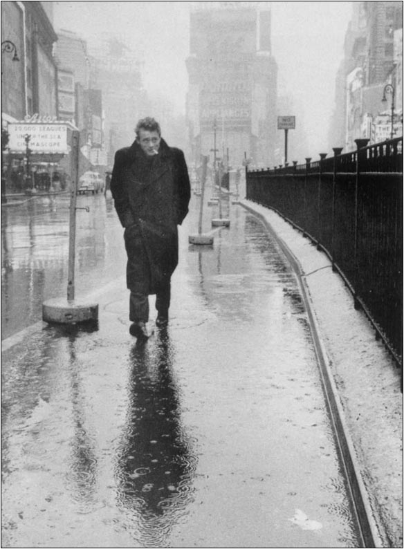 James Dean paseando por Times Square