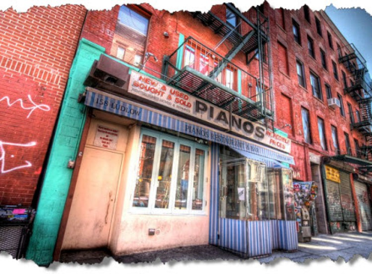 Pianos-Bar-Lower-East-Side-NYC