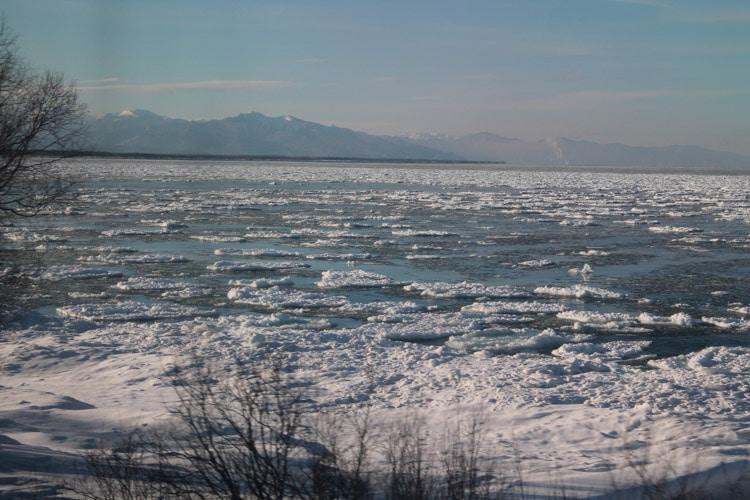 Lac Baïkal, photo prise depuis le train