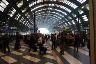 Central Station (flickr: Graeme Churchard)