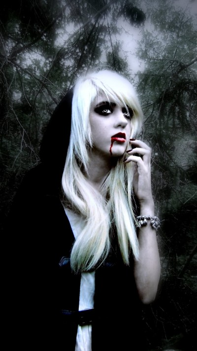 Download Vampire Wallpapers For Mobile Gallery