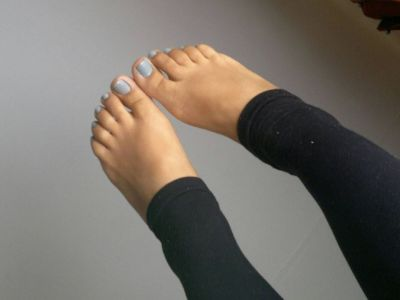 Legs gray feet models toes wallpaper | 1600x1200 | 261893 | WallpaperUP