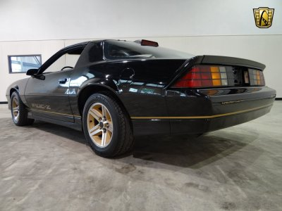 1986 Chevrolet Camaro IROC Z28 muscle wallpaper | 2592x1944 | 387718 | WallpaperUP
