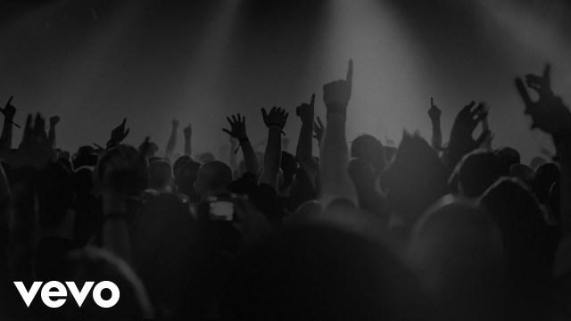 Naive New Beaters – Heal Tomorrow – Clip 360° ft. Izia