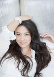 L'actrice chinoise Tang Wei avec montre Rado Ceramic Diamaster Blanc
