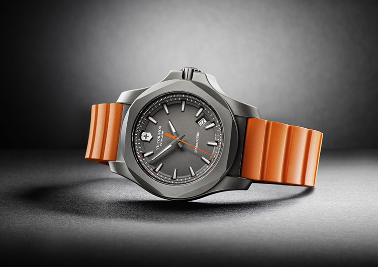 Victorinox-Titanium-inox-orange