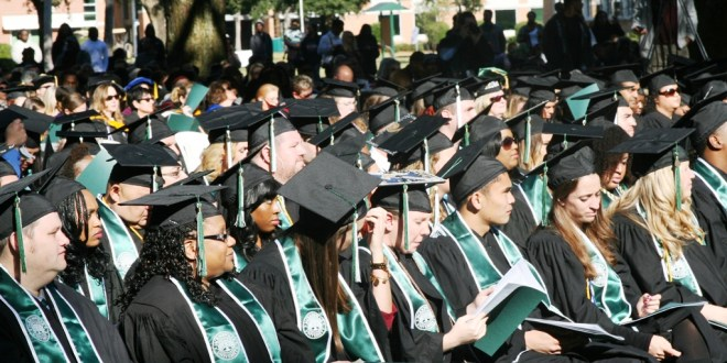 Live fully by being positive – and steering clear of pessimists, Florida Board of Education Chair Gary Chartrand tells JU graduates