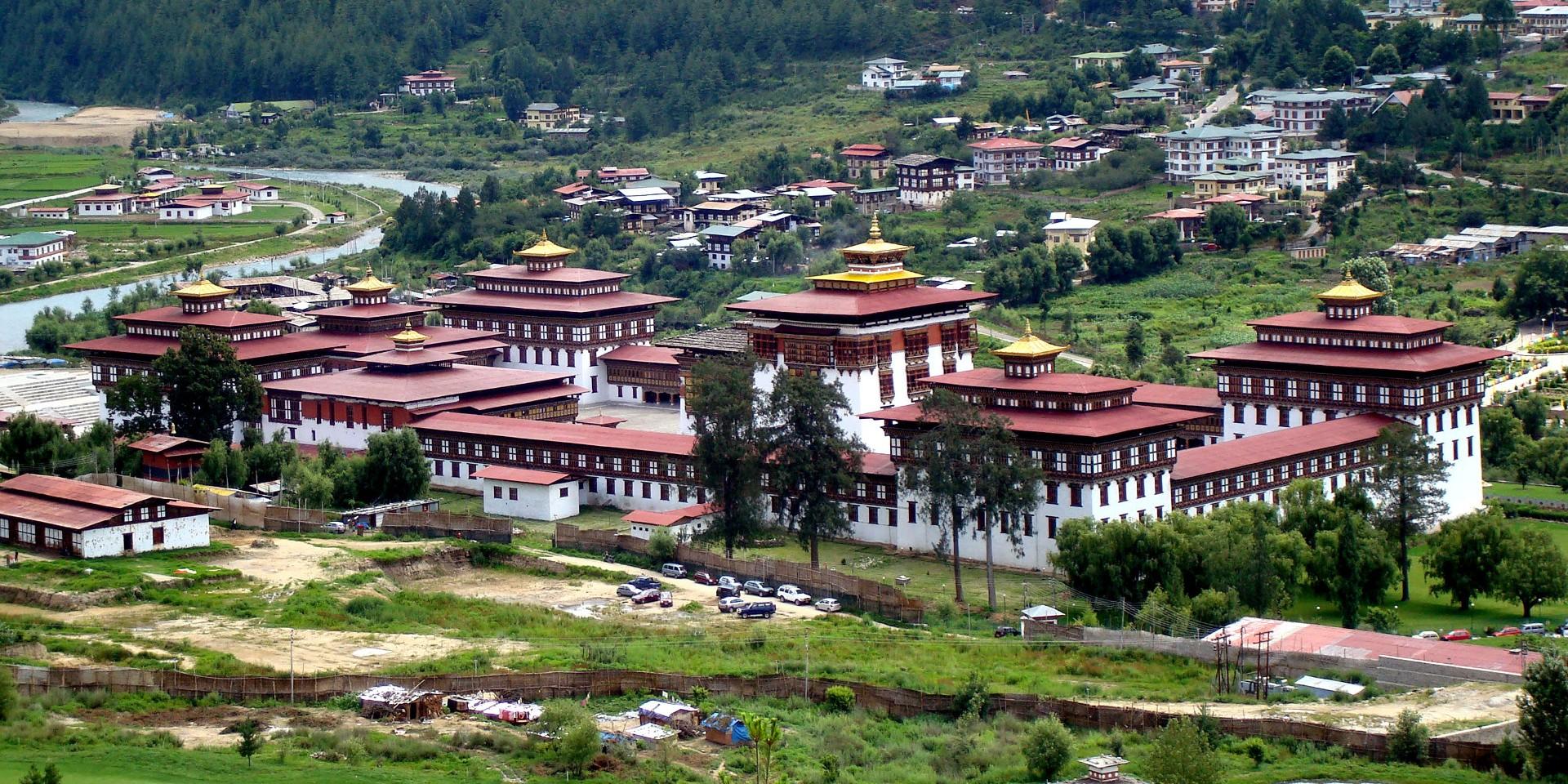 tashichho-dzong-1920x1380