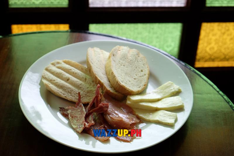 Noche Buena: Pan de Suelo, Ham, Cheese