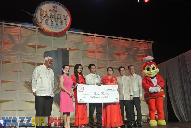 Jolibee 5th Family Values Award Philippines Joseph Tanbuntiong President Blog Blogger Duane Bacon  Basa Wazzup