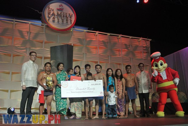 Jolibee 5th Family Values Award Philippines Joseph Tanbuntiong President Blog Blogger Duane Bacon Domulot Aeta