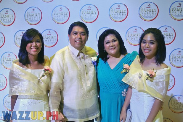 Jolibee 5th Family Values Award Philippines Joseph Tanbuntiong President Blog Blogger Duane Bacon Ramirez Red Carpet