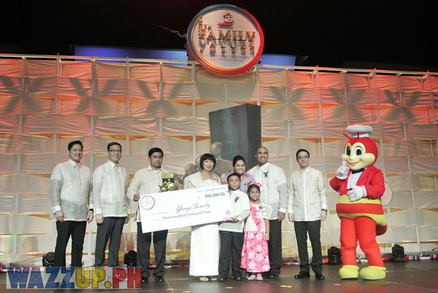 Jolibee 5th Family Values Award Philippines Joseph Tanbuntiong President Blog Blogger Duane Bacon Rondalia Gange California Music Culture