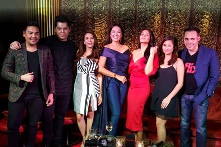Team iflix Iza Calzado, Jasmine Curtis-Smith, Ruffa, Raymond and Richard Gutierrez, JM Rodriguez and Karylle Tatlonghari-Yuzon