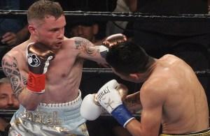 Carl Frampton se coronó como nuevo supercampeón pluma de la Asociación Mundial de Boxeo al quitarle el título a Leo Santa Cruz. Fotos Sumio Yamada