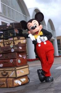 MickeyLuggage_44849_orig-524x800