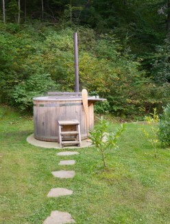 Hot tub lake bled glamping