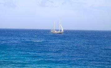 Kust curacao zeilen varen reizen oceaan zee
