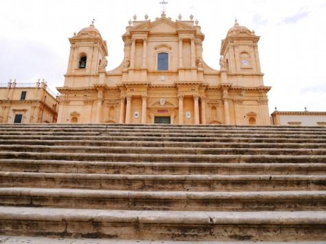 trappen kathedraal noto sicilie