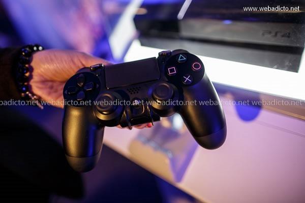 lanzamiento playstation 4 peru-9630