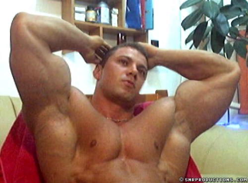 bodybuilder_webcam_men_naked