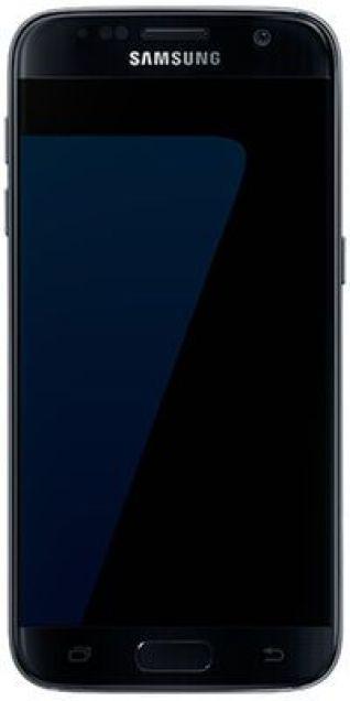Il display copre praticamente tutta la superfiecie dello smartphone, creando un effetto quasi privo di borsi