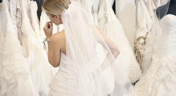 wedding-dress-dilemma-1