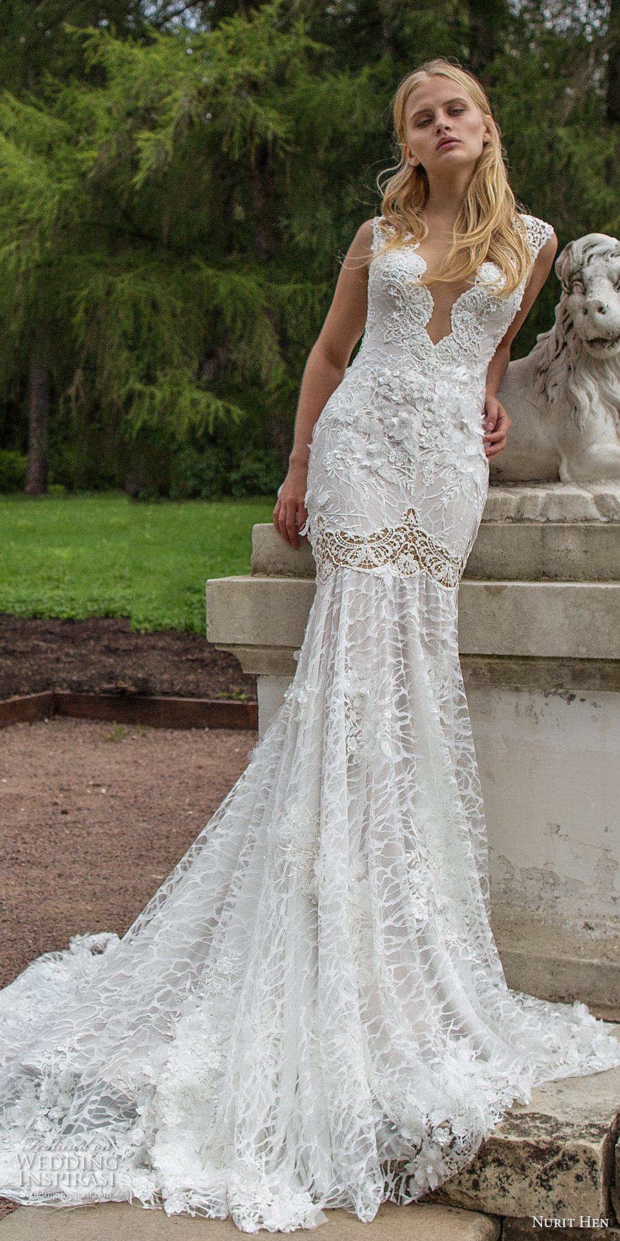 nurit hen 2017 bridal sleeveless deep plunging v neck full embellishment elegant sexy fit and flare wedding dress open v back chapel train (2) mv