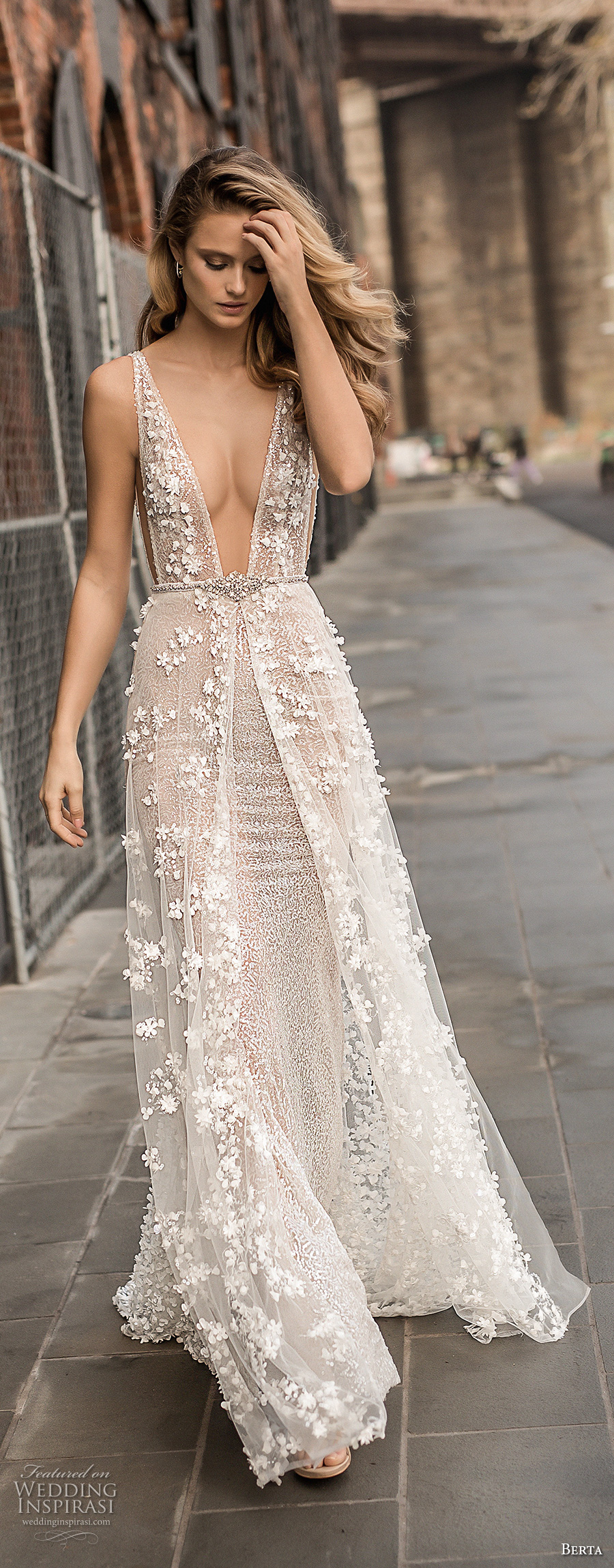berta spring 2018 bridal sleeveless deep plunging v neck full embellishment sexy a line wedding dress open back sweep train (14) zv mv