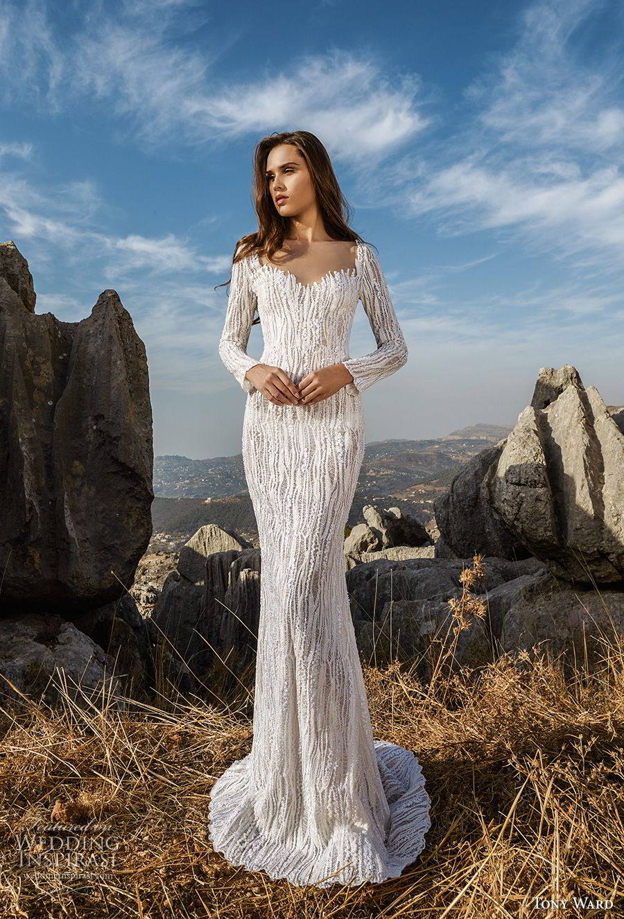 tony ward fall 2018 bridal long sleeves sweetheart neckline full embellishment elegant fit and flare wedding dress sweep train (3) mv