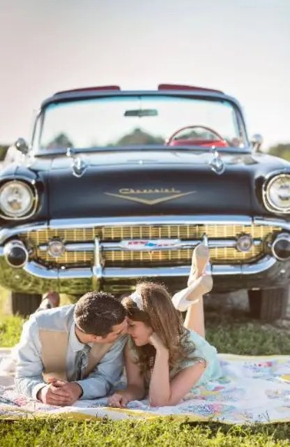 Chic And Trendy Retro Car For Your Wedding