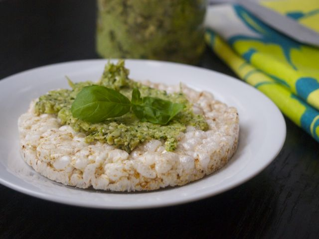 Broccoli pesto (vegan, dairyfree)