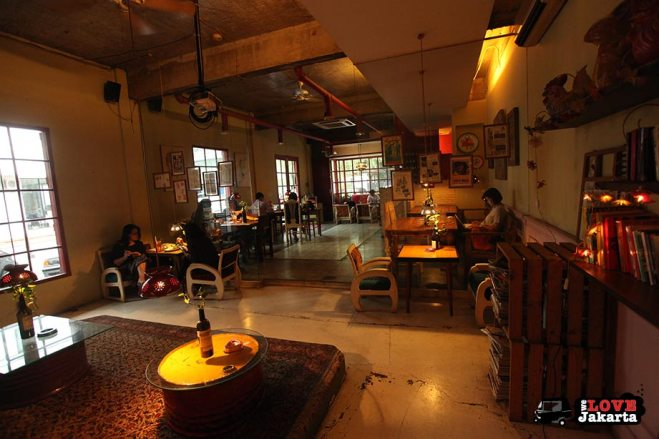 Tasha May_welovejakarta_we love jakarta_where to eat and hang out in Kemang_Kedai Cafe Kemang_Cafes in Jakarta