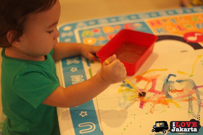 tasha may_welovejakarta_we love jakarta_Baby painting_kids in Jakarta_playdate