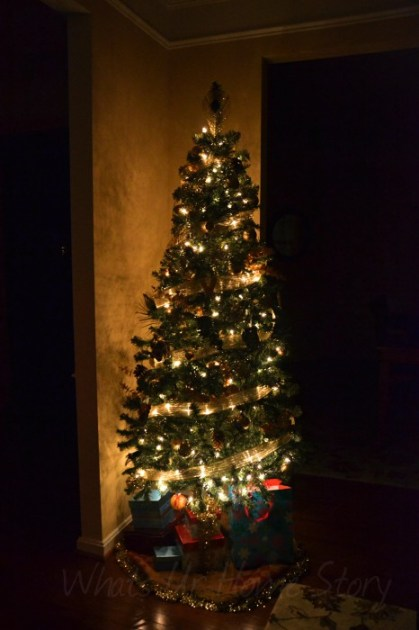 Whats Ur Home Story: Gold Christmas Tree, Nature Inspired Glam Christmas Tree