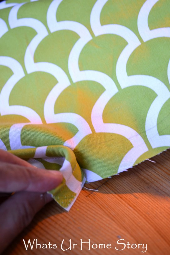 how to sew a seat cushion, sew a seat cushion with piping