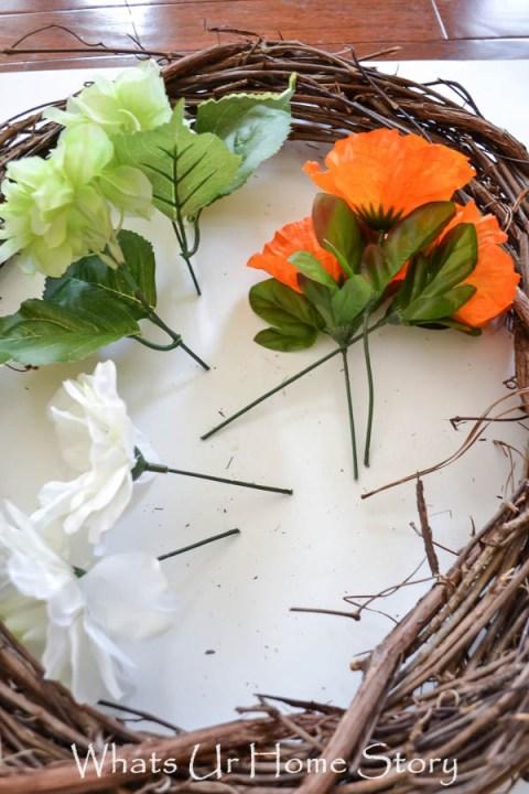 How to make a summer wreath