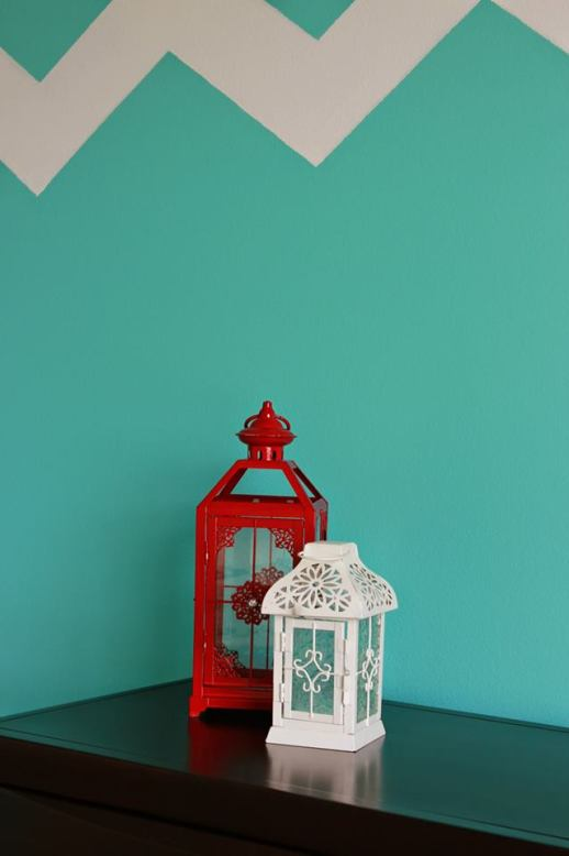Turquoise and Red Bedroom, red accents