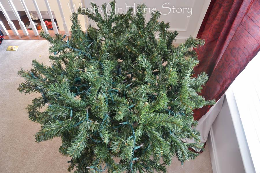 How to Hang Christmas Tree Lights - Whats Ur Home Story