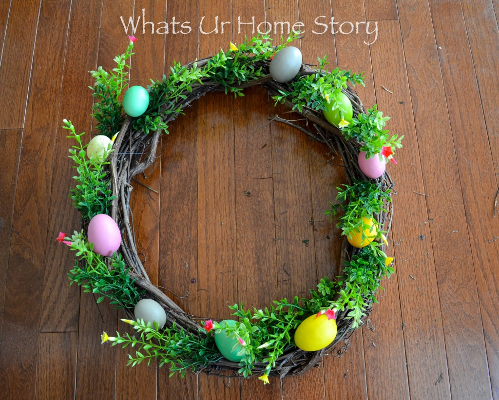 Easter Craft Ideas - Easter Egg Wreath Tutorial