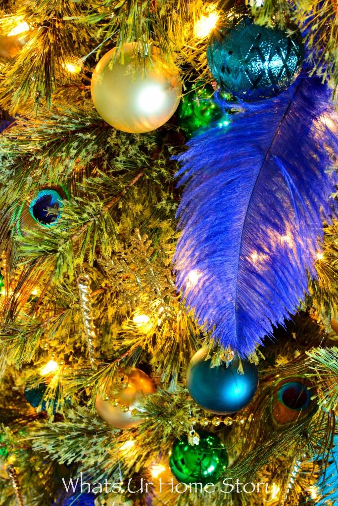 an-adorable-peacock-themed-christmas-tree-idea