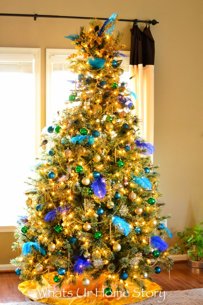 decorate-a-christmas-tree-in-a-peacock-color-theme