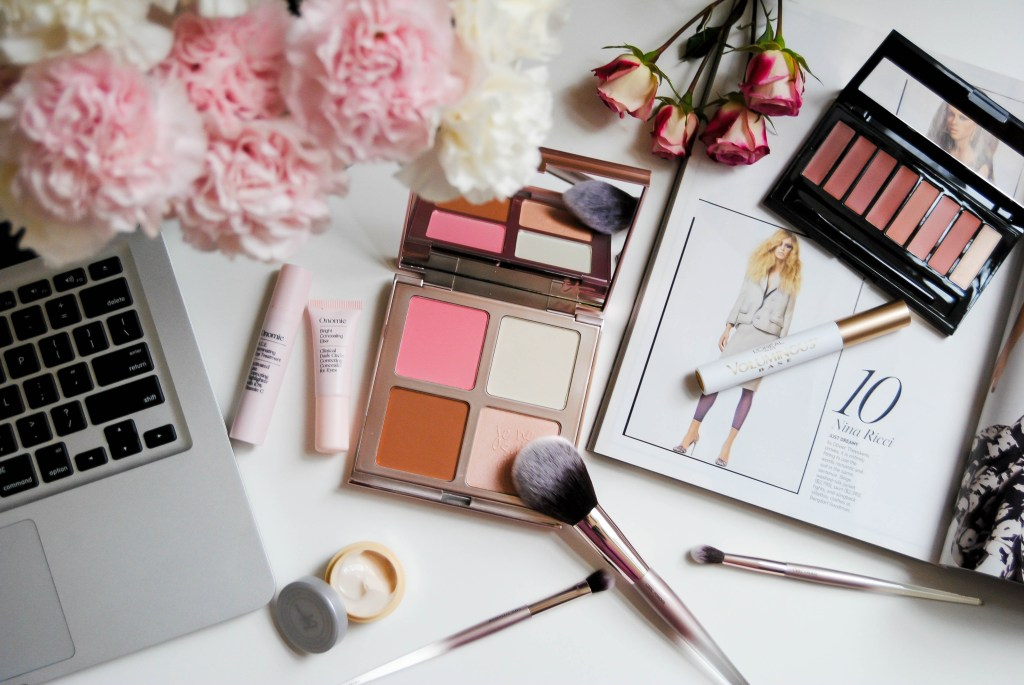 vanessa-lambert-blogger-behind-what-would-v-wear-shares-her-10-top-beauty-must-haves-feauturing-it-cosmetics-loreal-and-onomie_1-3