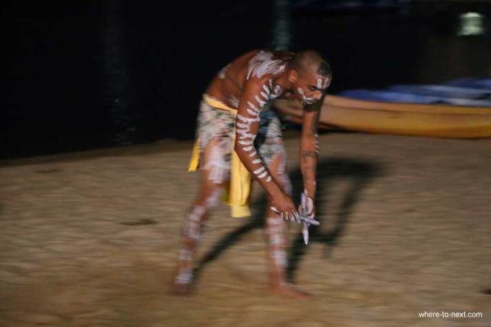 Indigenous performers at Novotel Twin Waters Resort, SUnshine Coast, Queensland #escapers15